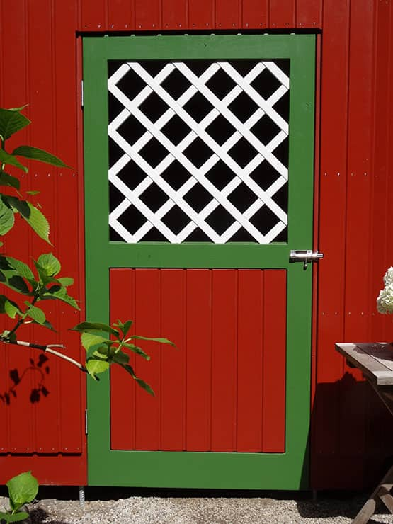 Rotes Gartenhaus von Thomas Wesner